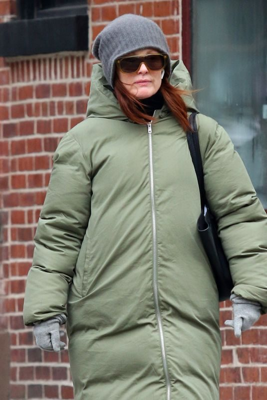 JULIANNE MOORE Out Shopping in New York 03/07/2019