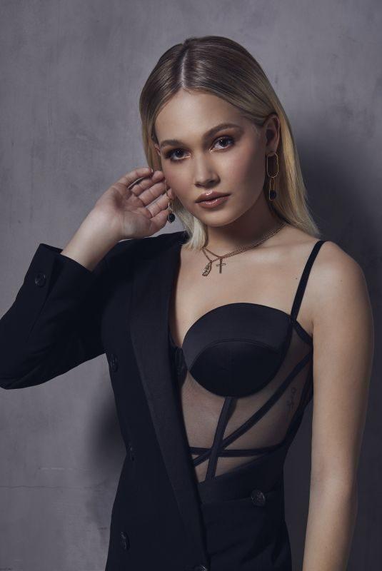KELLI BERGLUND for Teen Vogue, March 2019