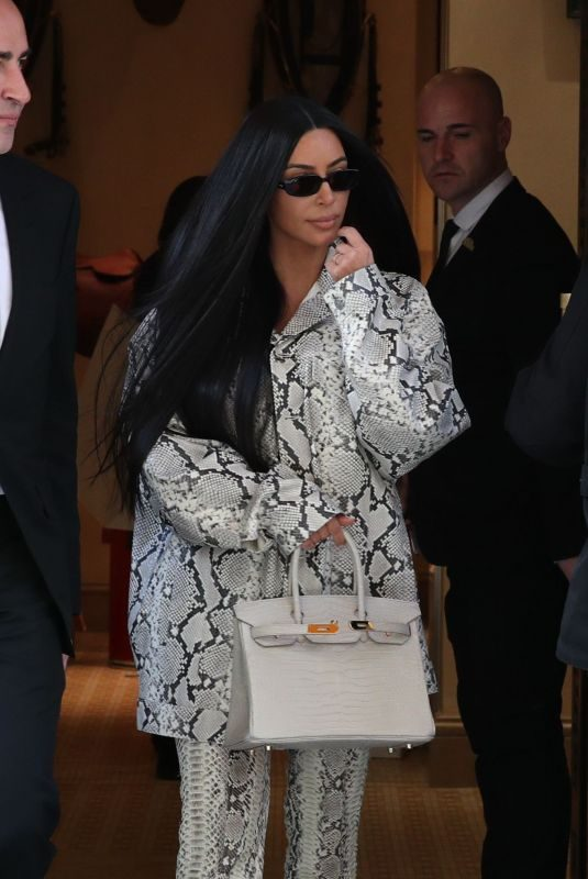 KIM KARDASHIAN Leaves Hermes Store in Paris 03/25/2019