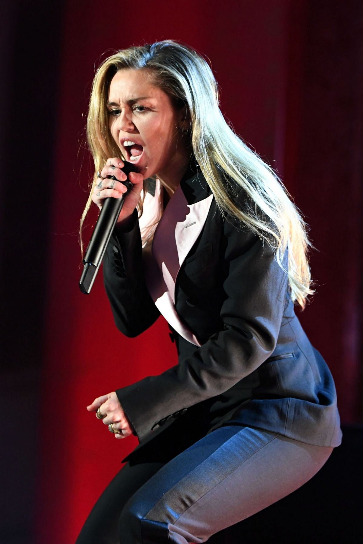 MILEY CYRUS Performs at Women's Cancer Research Fund's in ...