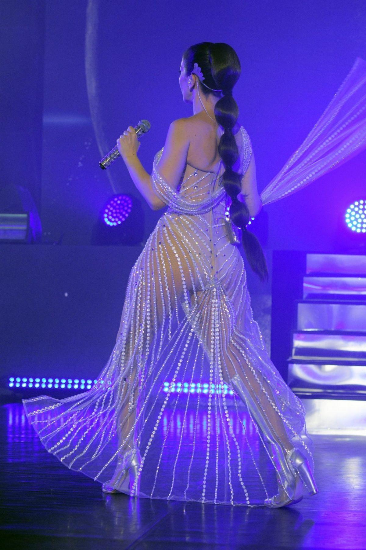 NATALIA OREIRO Perform...
