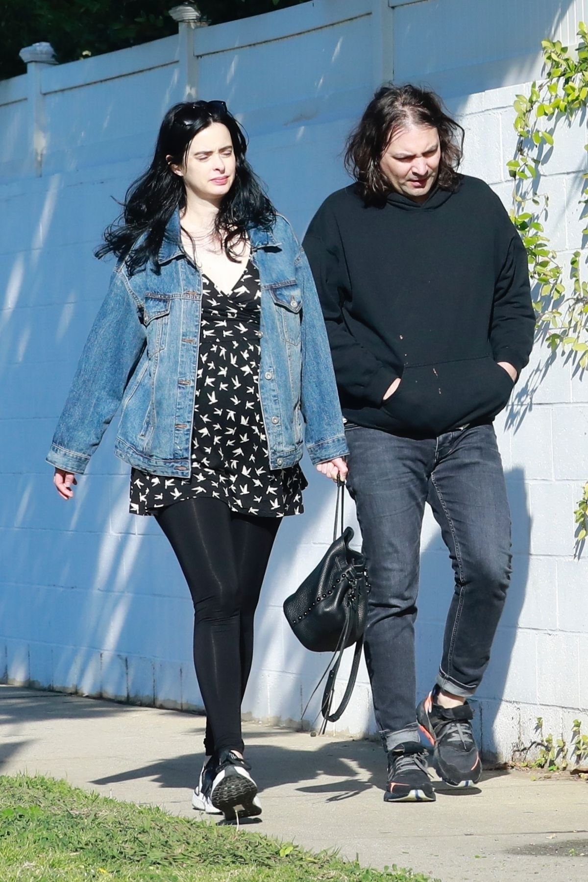 Pregnant KRYSTEN RITTER Heading to a Parenting Class in ...