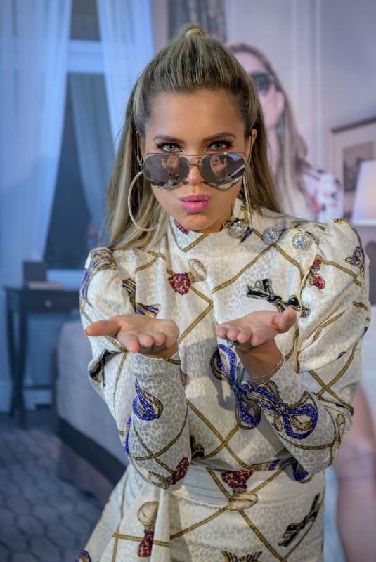 SYLVIE MEIS Presents Her Edel Optics Eyewear Collection 03/28/2019