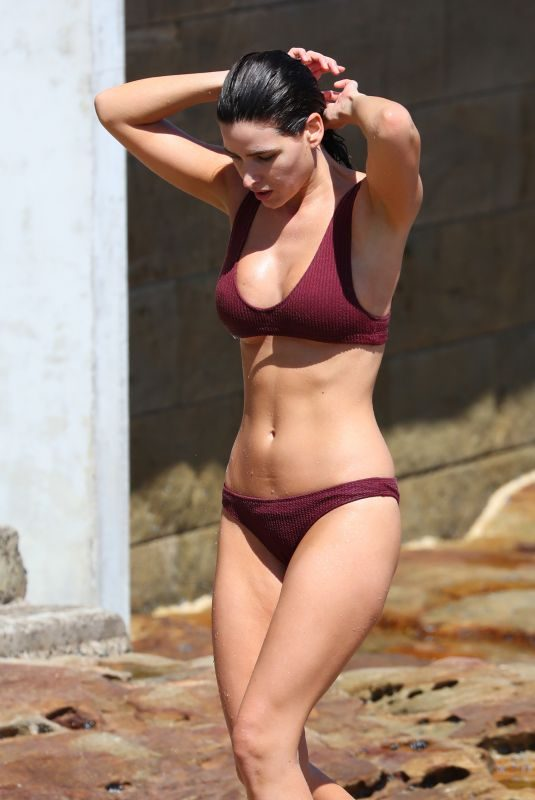 TAHNEE ATKINSON in Bikini at Bondi Beach 03/04/2019