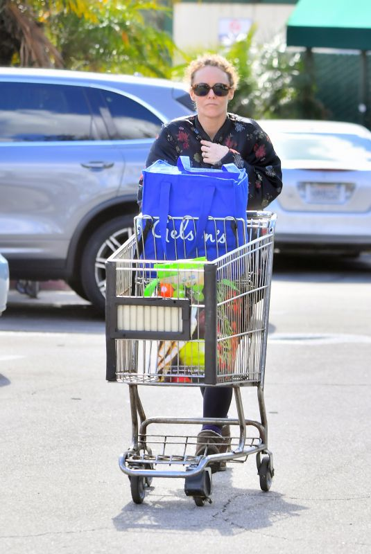 VANESSA PARADIS Shopping at Whole Foods in Studio City 03/11/2019