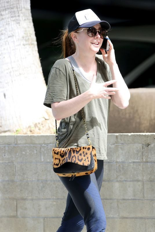 ALYSON HANNIGAN Heading to Gym in Los Angeles 04/23/2019
