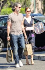 AMY ADAMS and Darren Le Gallo Shopping at Bristol Farms in Beverly Hills 04/10/2019