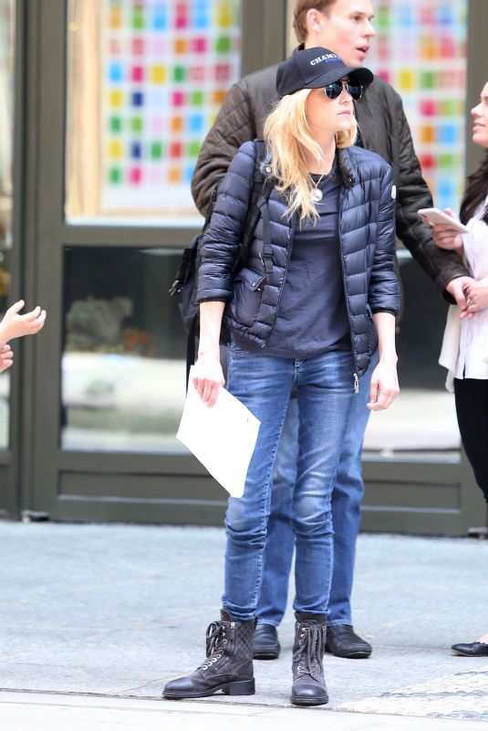 ANNA FARIS Leaves Her Hotel in New York 04/19/2019