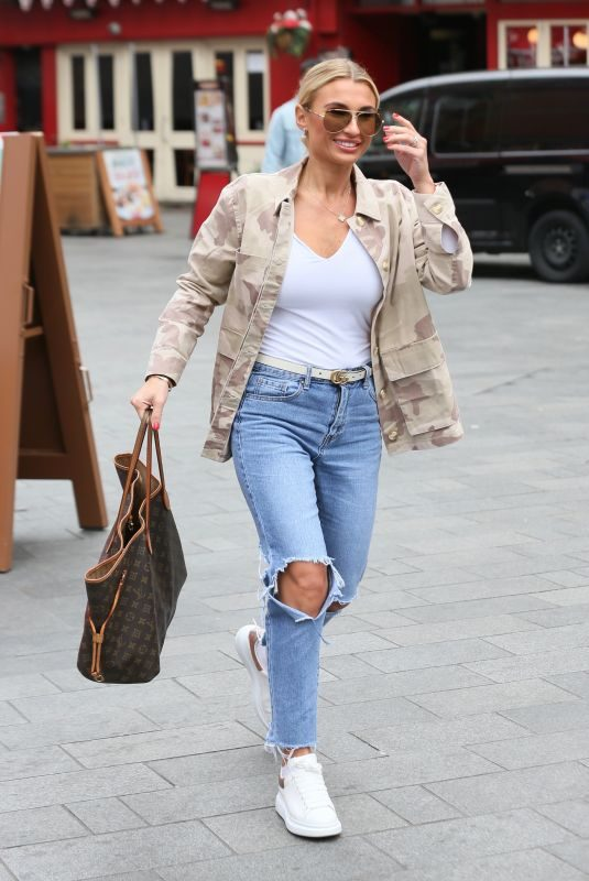 BILLIE FAIERS in Ripped Jeans Leaves Global Studio in London 03/27/2019