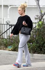 BRITNEY SPEARS Out and About in Thousand Oaks 04/26/2019