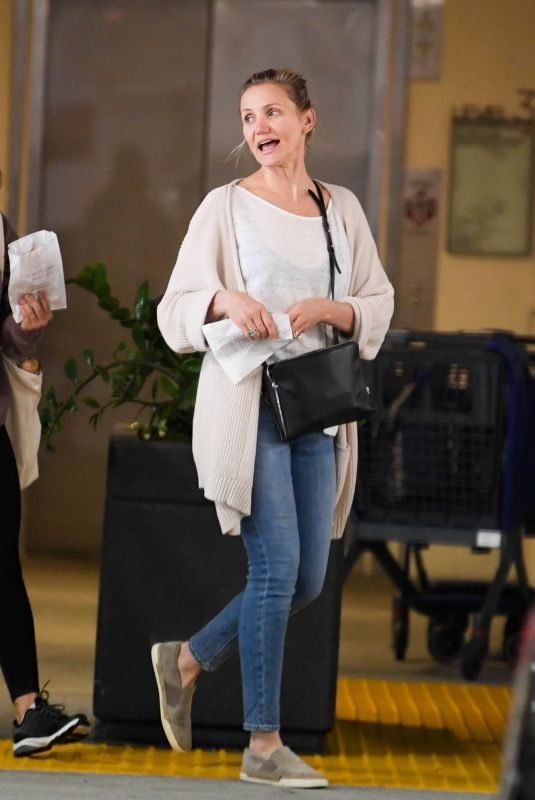 CAMERON DIAZ Out for Coffee and Pastry Breakfast in Century City 04/28/2019