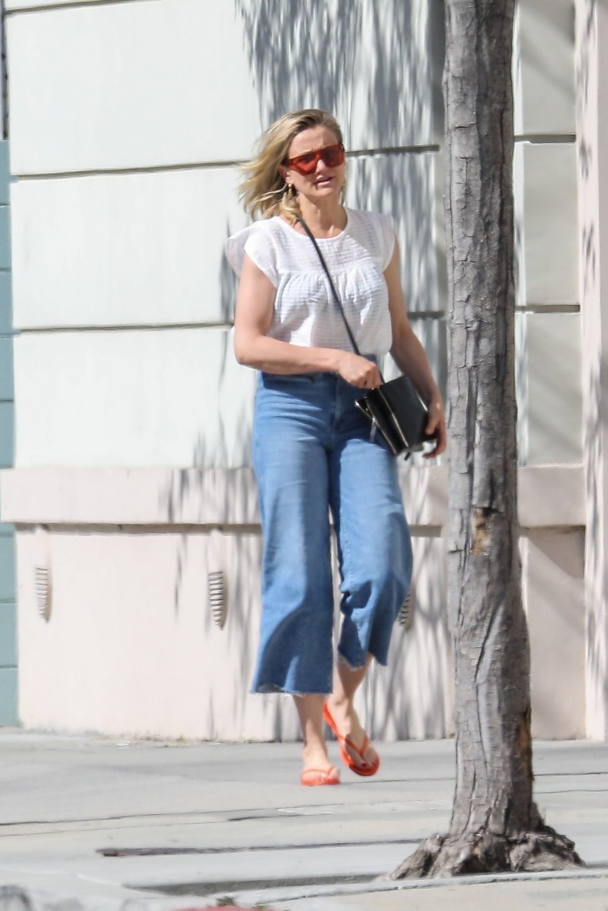 CAMERON DIAZ Out in Los Angeles 04/18/2019 – HawtCelebsCameron Diaz Net Worth 2019