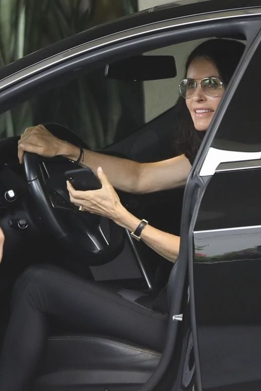 COURTENEY COX Arrives at Her Home in Los Angeles 04/16/2019