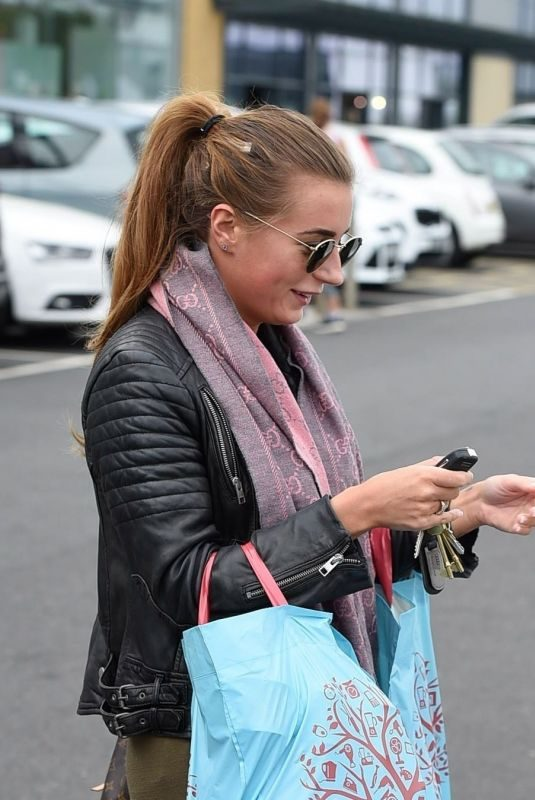 DANI DYER Shopping at Home Bargains in Essex 04/24/2019