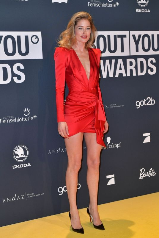 DOUTZEN KROES at About You Awards 2019 04/18/2019
