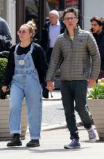 FLORENCEPUGH and Zach Braff Out in New York 04/12/2019