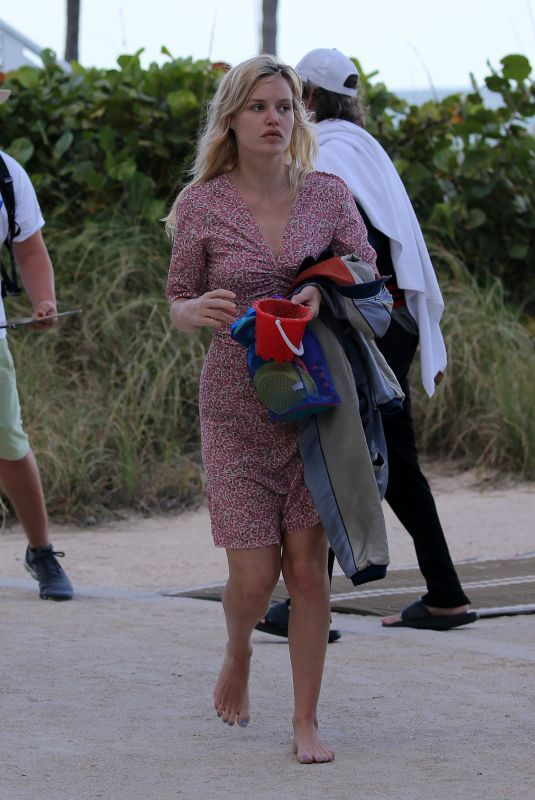 GEORGIA MAY JAAGER Out in Miami 03/31/2019