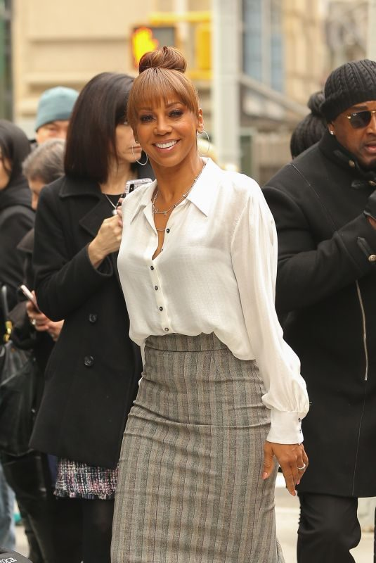 HOLLY ROBINSON PEETE Arrives at Build Studio in New York 04/11/2019