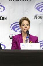 JENNA ELFMAN at Fear the Walking Dead Panel at WonderCon in Anaheim 03/31/2019