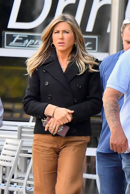 JENNIFER ANISTON Out in Los Angeles 04/03/2019