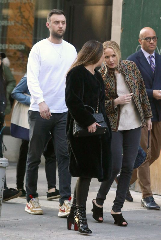 JENNIFER LAWRENCE and Cooke Maroney Out Shopping in New York 04/18/2019
