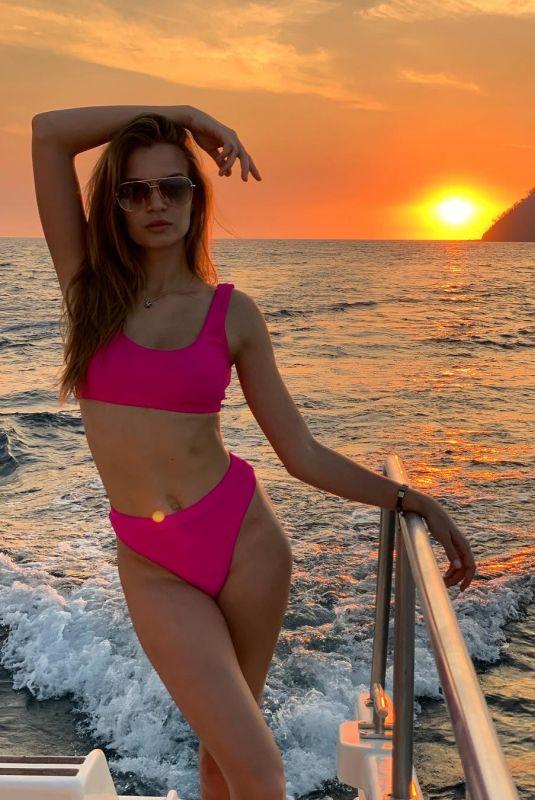 JOSEPHINE SKRIVER in Doha - Instagram Pictures 04/01/2019