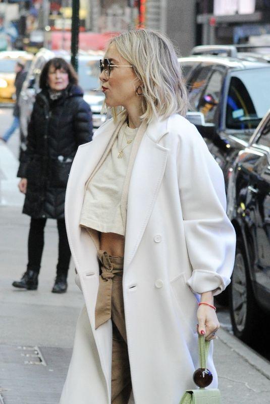 KATE HUDSON Arrives at Good Morning America in New York 04/04/2019