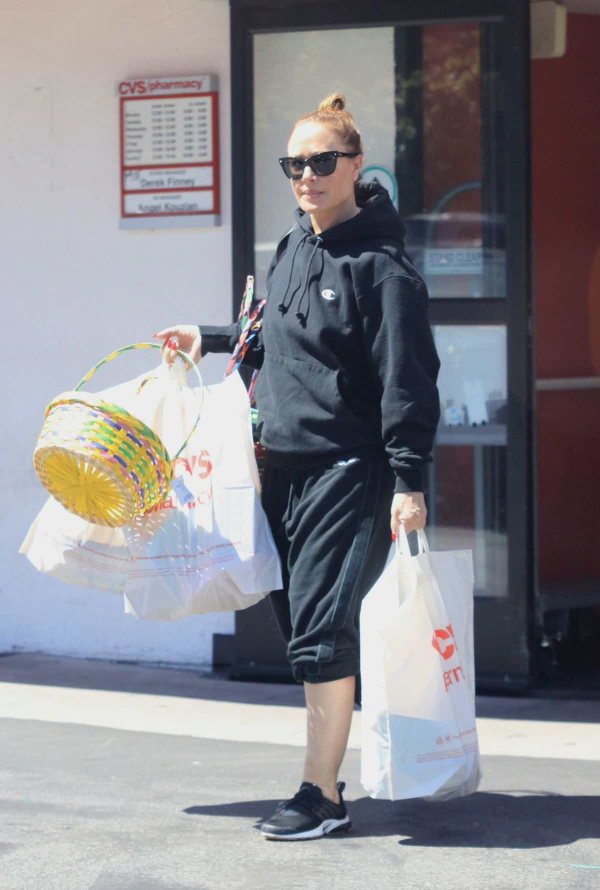 leah remini shopping at cvs in los angeles 04  20  2019