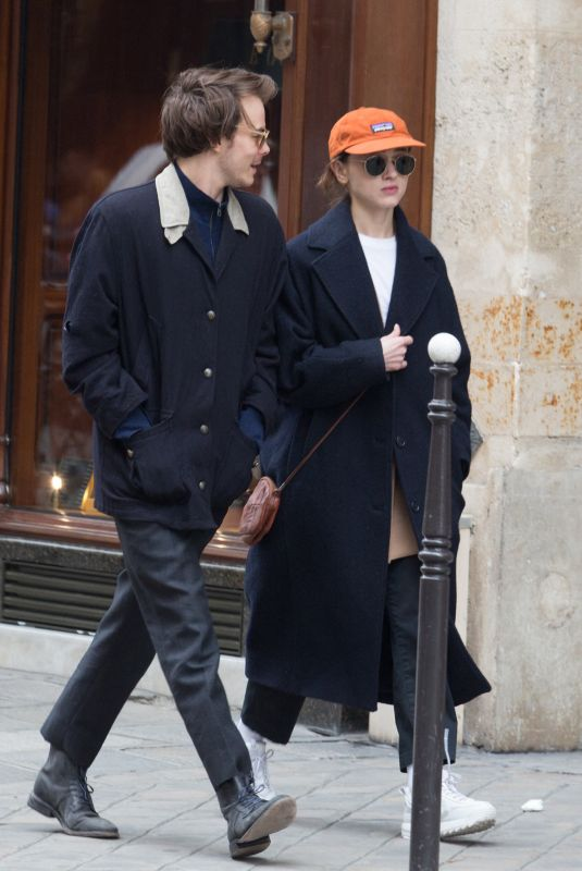 NATALIA DYER and Charlie Heaton Out in Paris 04/10/2019