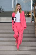 ROSIE HUNTINGTON-WHITELEY Out in Beverly Hills 04/01/2019
