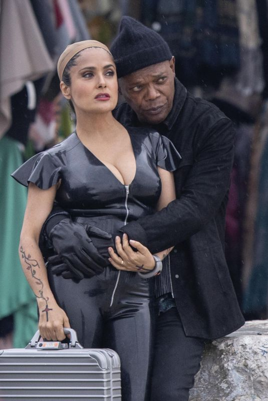 SALMA HAYEK and Samuel L. Jackson on the Set of The Hitman