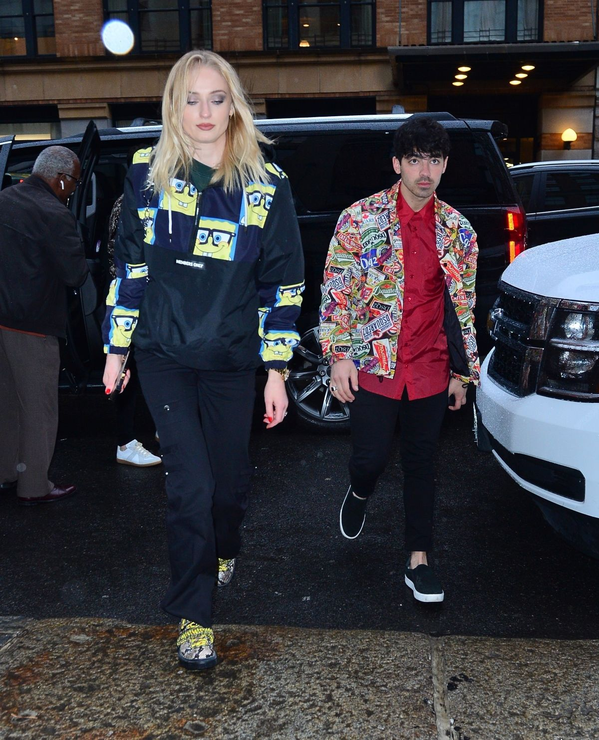 SOPHIE TURNER And Joe Jonas Arrives At Their Apartment In