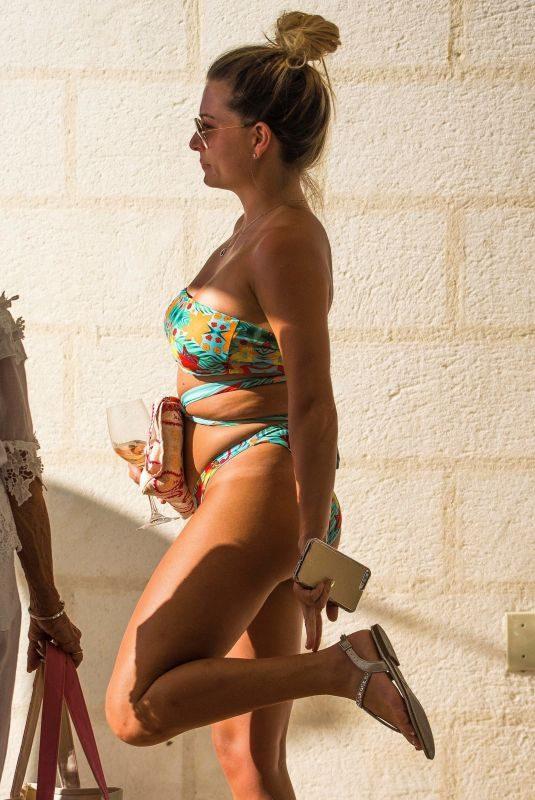 ZARA HOLLAND in Bikini on Vacation in Barbados 04/14/2019