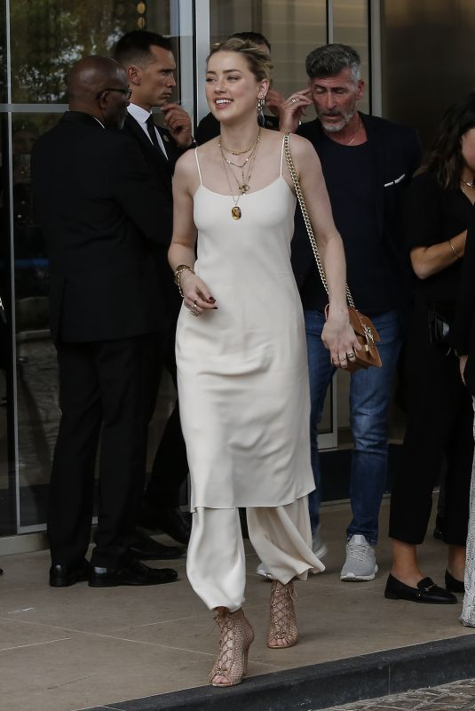 AMBER HEARD Arrives at Her Hotel in Cannes 05/14/2019