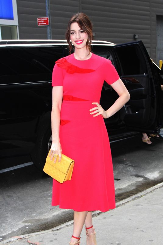 ANNE HATHAWAY Arrives at Good Morning America in New York 05/07/2019