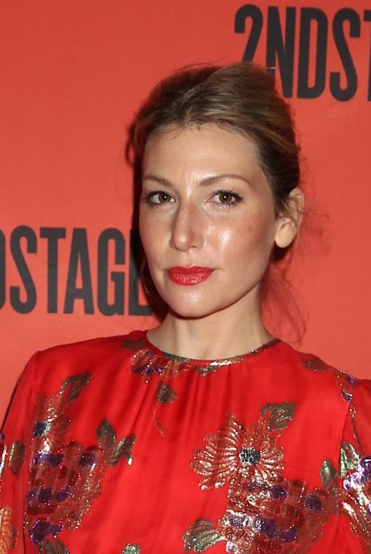 ARI GRAYNOR at Second Stage Theater 40th Birthday Gala in New York 05/06/2019