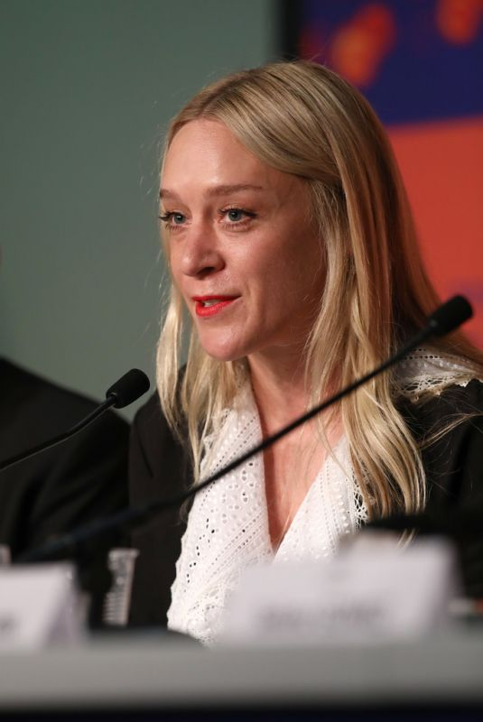 CHLOE SEVIGNY at The Dead Don