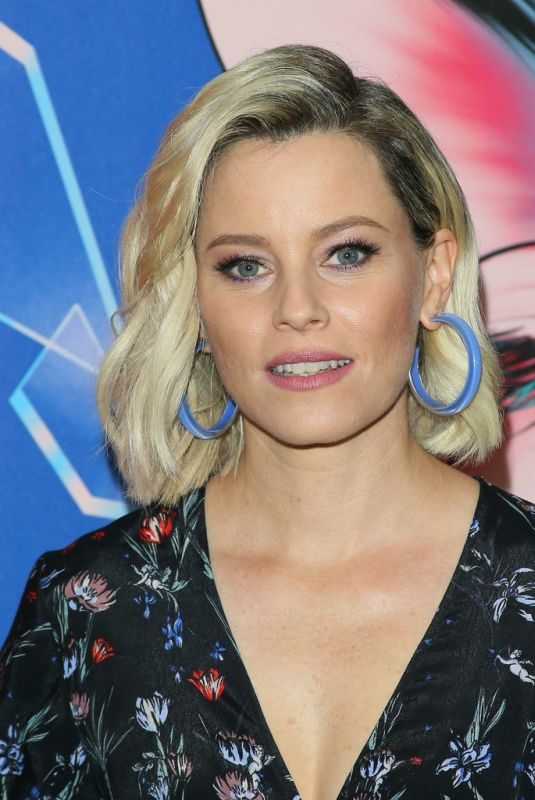 ELIZABETH BANKS at Brightburn Photocall in Los Angeles 05/18/2019
