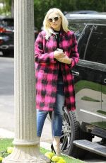 GWEN STEFANI Heading to a Church in Los Angeles 05/12/2019