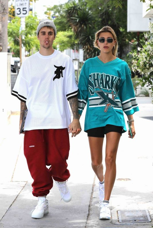HAILEY and Justin BIEBER Out for Breakfast in West Hollywood 05/18/2019