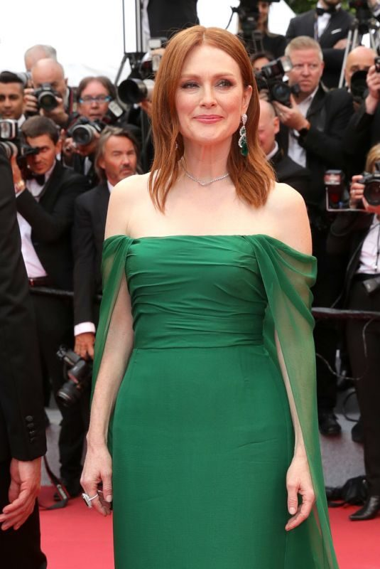 JULIANNE MOORE at The Dead Don't Die Premiere and Opening Ceremony of 72 Annual Cannes Film Festival 05/14/2019