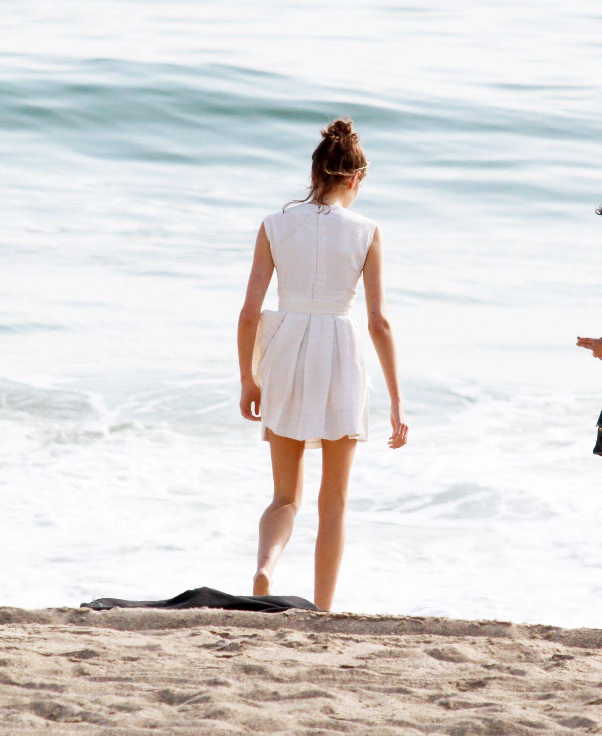 KAIA GERBER At A Photoshoot For Marc Jacobs Daisy Perfume
