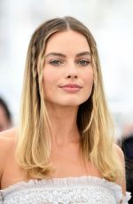MARGOT ROBBIE at Once Upon a Time in Hollywood Photocall in Cannes 05/22/2019