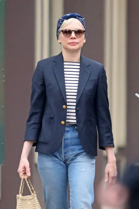 MICHELLE WILLIAMS Out in New York 05/06/2019