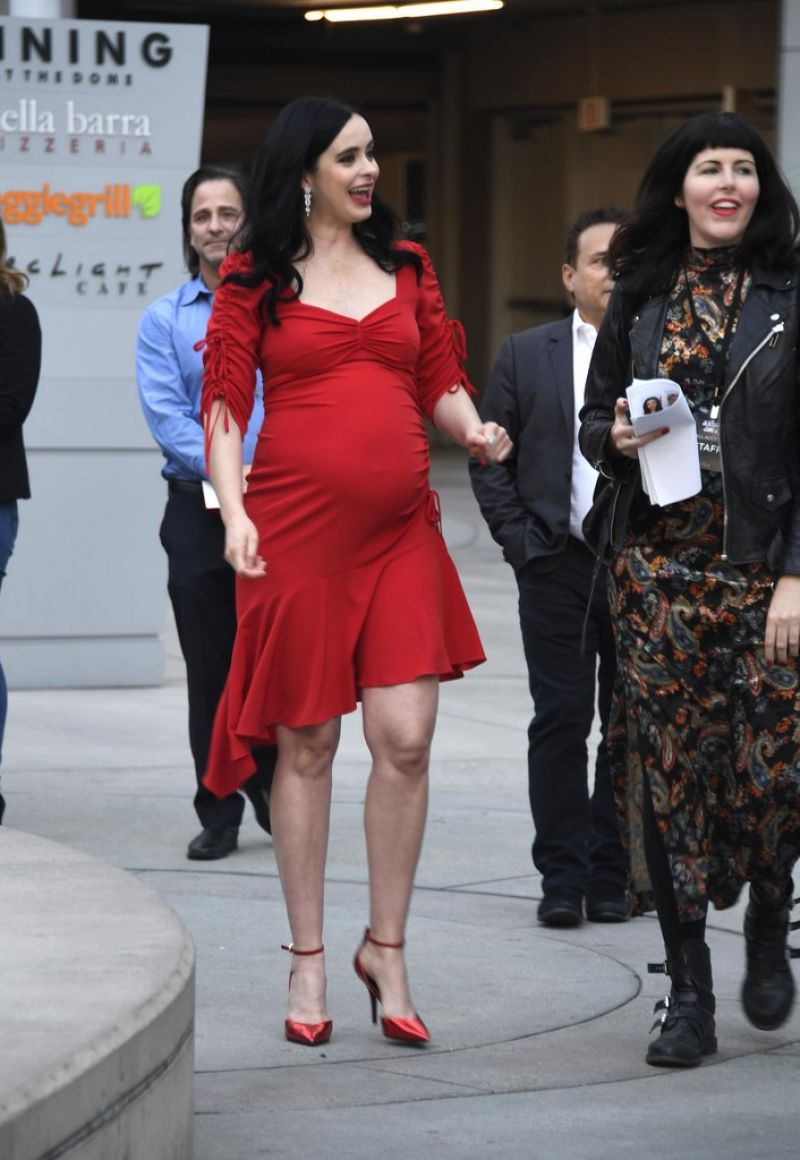 Pregnant KRYSTEN RITTER at Jessica Jones, Season 3 ...