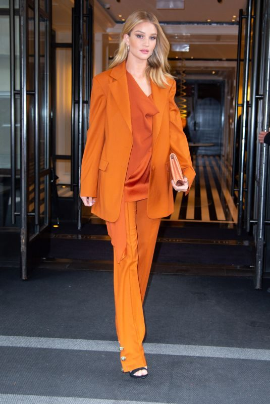 ROSIE HUNTINGTON-WHITELEY Out and About in New York 05/03/2019