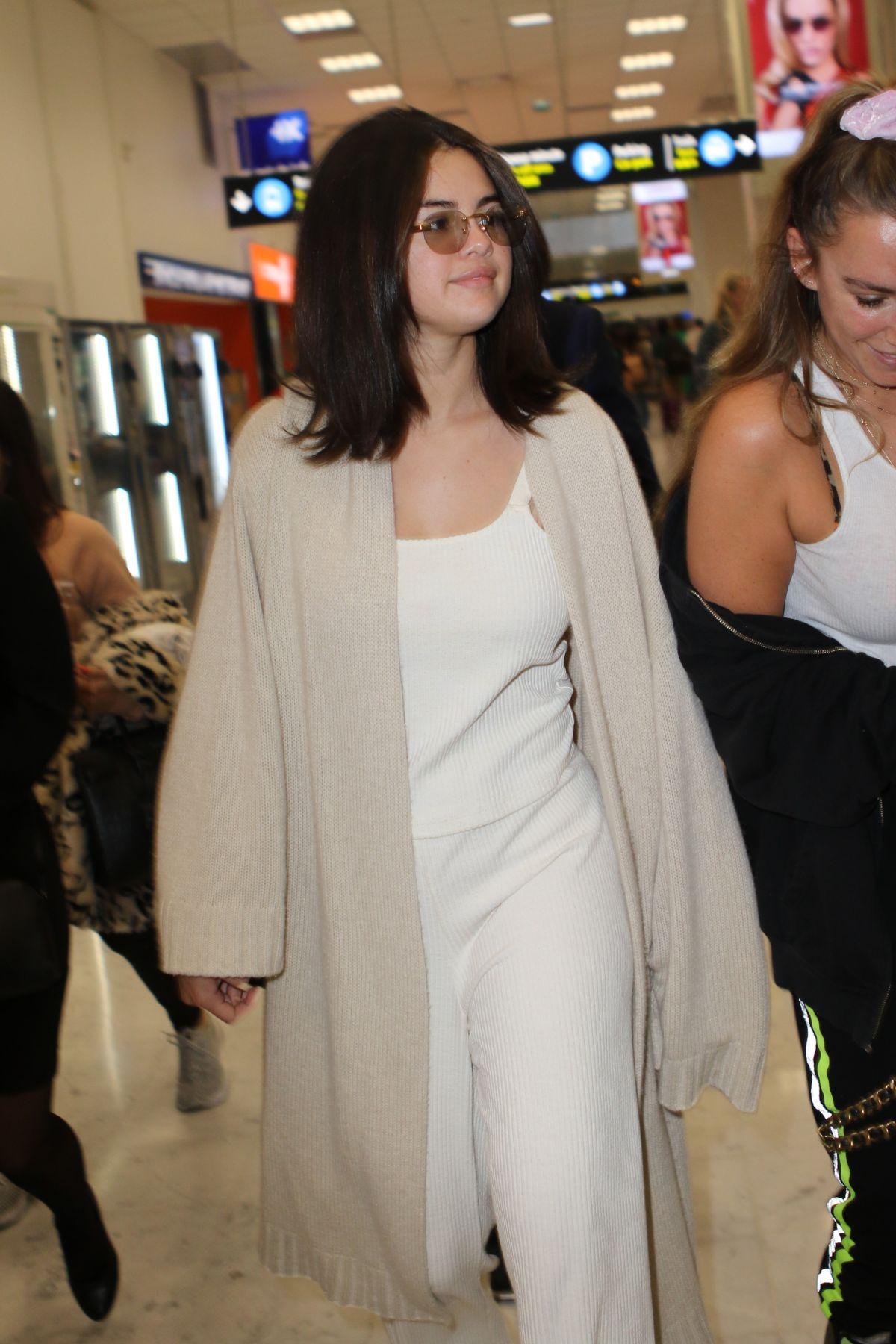 SELENA GOMEZ Arrives at Nice Airport 05/13/2019 - HawtCelebs  SELENA GOMEZ Ar...