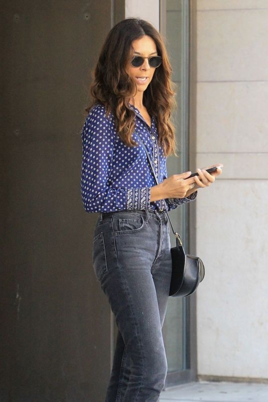TERRI SEYMOUR Out for Lunch in Beverly Hills 05/14/2019