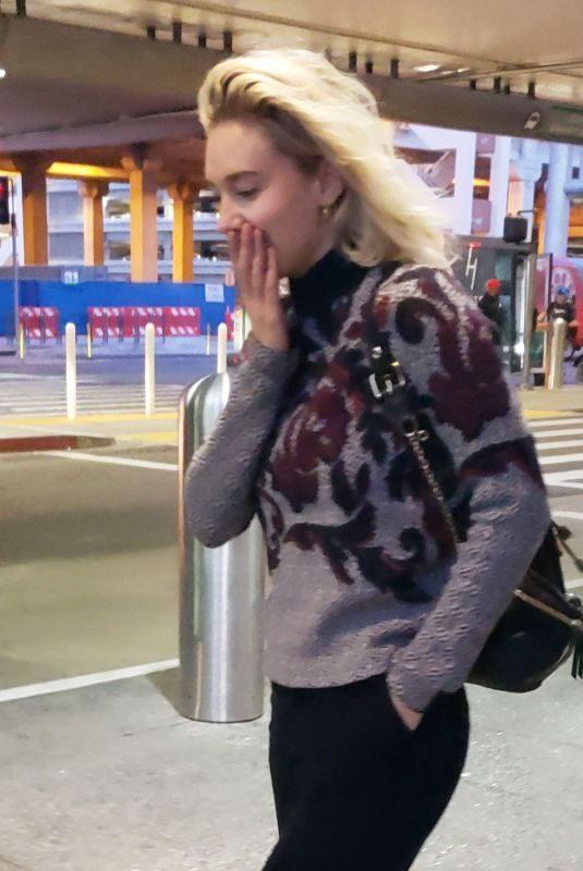 VANESSA KIRBY at Los Angeles International Airport 05/06/2019
