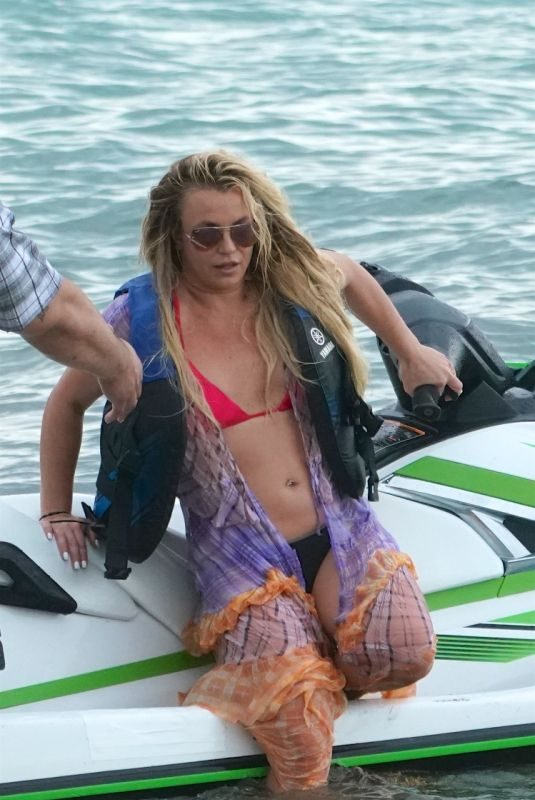 BRITNEY SPEARS Jet Skiing in Miami 06/09/2019